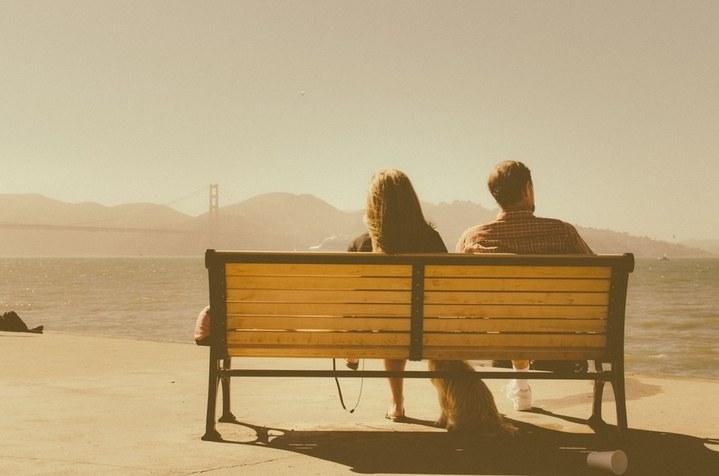 bench-sea-sunny-man-large_720